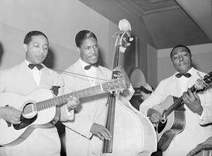 Lonnie Johnson and band playing in Chicago, 1941